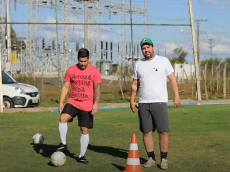 Caio Brás desafia o amigo Derek