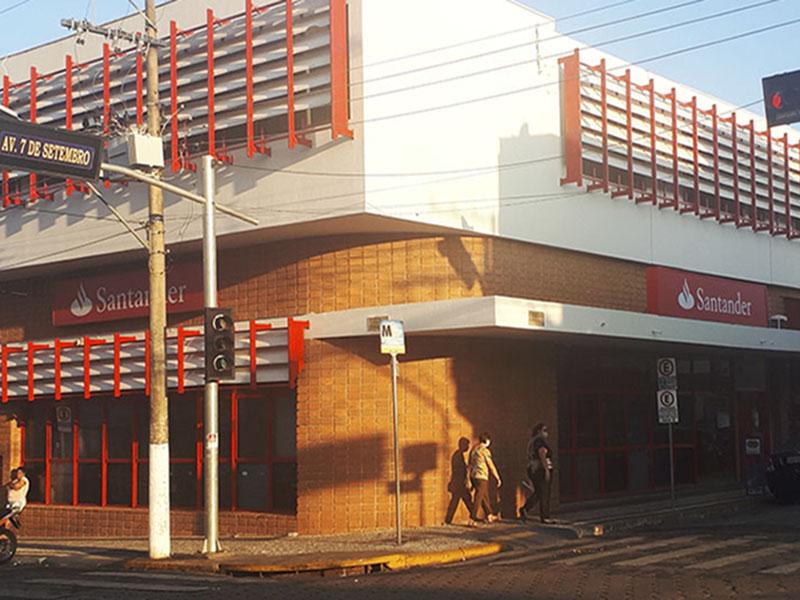 Santander é fechado após funcionário testar positivo para Covid-19 em Paraguaçu Paulista
