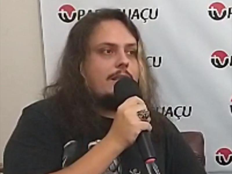 Vocalista da Castellica, Thiago Colavite fala sobre o novo single da banda