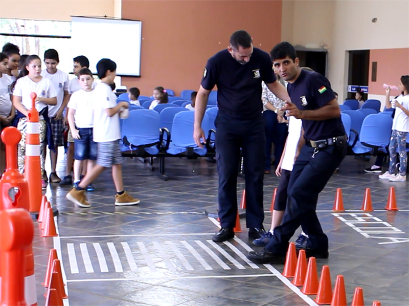 Estudantes recebem orientações sobre o trânsito em Paraguaçu Paulista