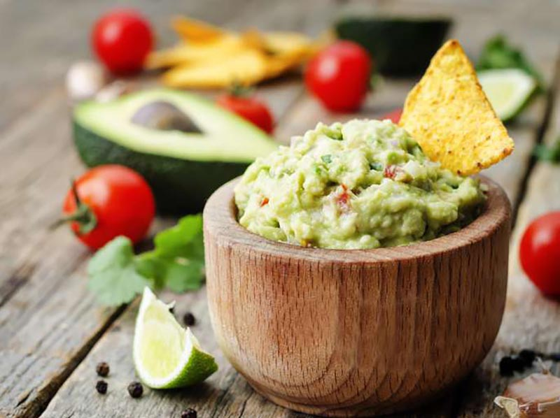 Abacate com sal? Saiba como preparar um delicioso guacamole