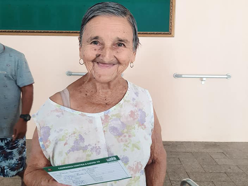 Internos do Lar dos Idosos de Paraguaçu Paulista são vacinados contra a Covid-19