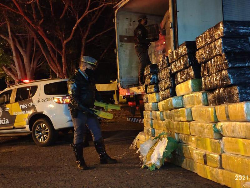Polícia Rodoviária apreende grande quantidade de maconha em Palmital