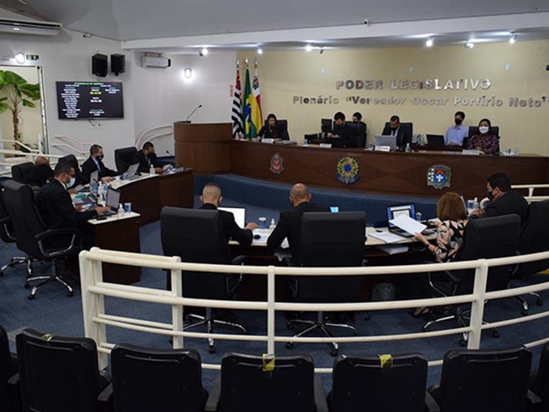 Com público reduzido, vereadores se reúnem hoje para Sessão na Câmara Municipal