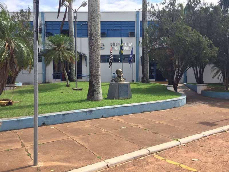 Prefeituras da região tem concursos públicos com salários que passam de R$ 11 mil