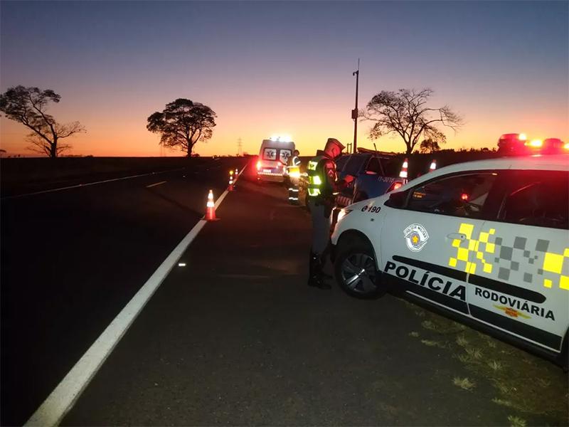 Homem é preso por embriaguez após tombar motocicleta em rodovia de João Ramalho