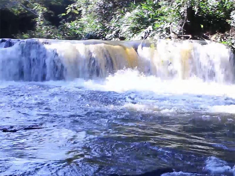 Calor excessivo faz aumentar a procura por cachoeiras na região de Paraguaçu Paulista
