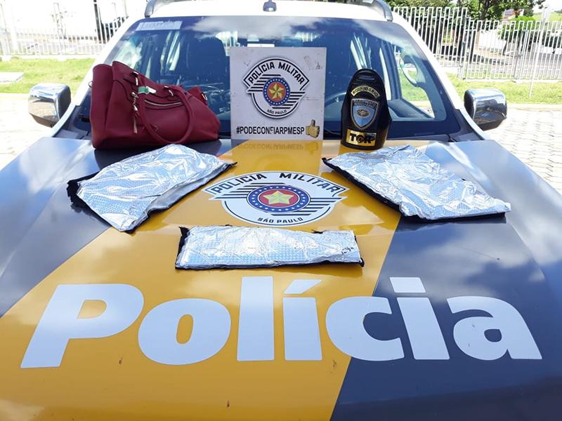 Peruana é flagrada com porções de cocaína escondidas na bolsa em Rancharia