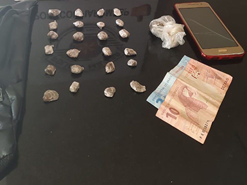 Homem é flagrado com drogas e preso por tráfico no Jardim Oliveiras