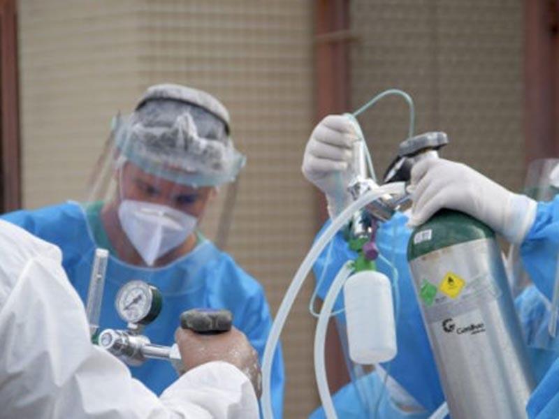 Ministério da Saúde começa a distribuir kits intubação para estados