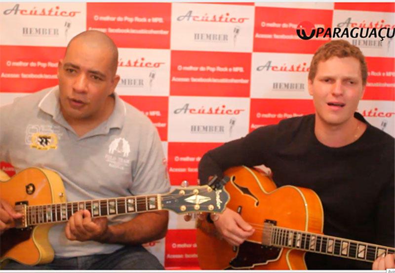 Apaixonados pela boa música, Henrique e Josué formam o Acústico Hember