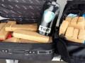 Droga é apreendida em malas de passageiro de ônibus em Assis