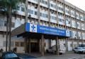 Jovem sofre traumatismo craniano após bater em caminhão em avenida de Assis